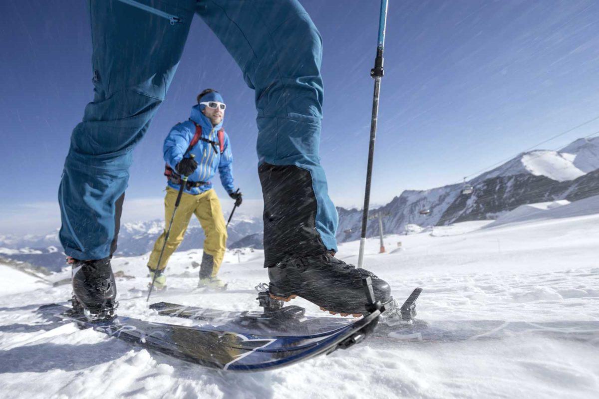 Sportfotografie-Wintersport-Ski-Skitour-Aufstieg-Sturm